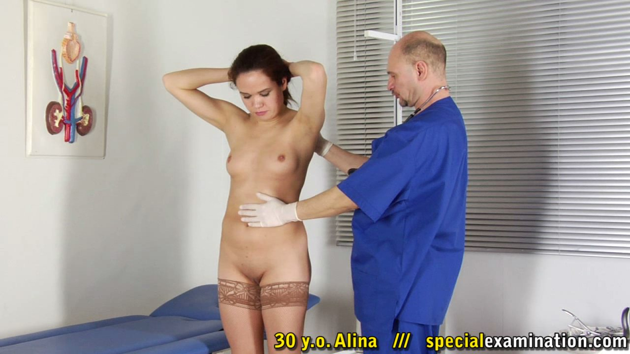 naked-girls-in-medical-exams